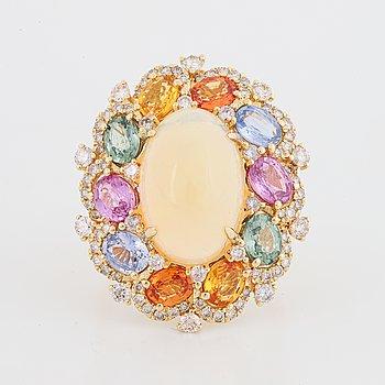 Cocktailring med opal, multifärgade safirer och diamanter.