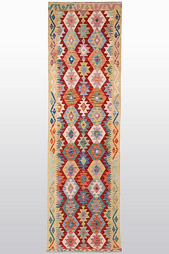 Gallerimatta, kelim, ca 314 x 80 cm.