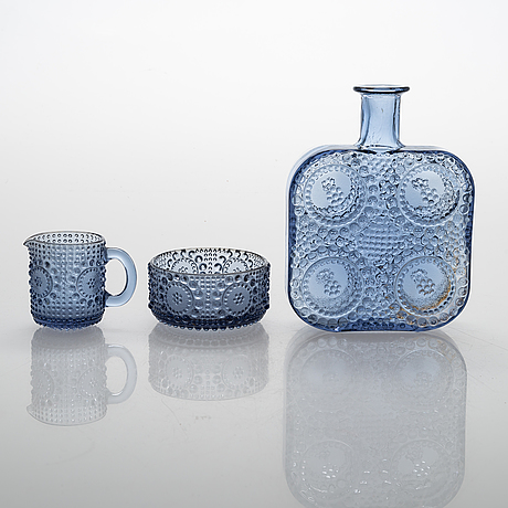 Nanny still, a 23-piece set of 'grapponia' glass tableware for riihimäen lasi, finland. design year 1968.