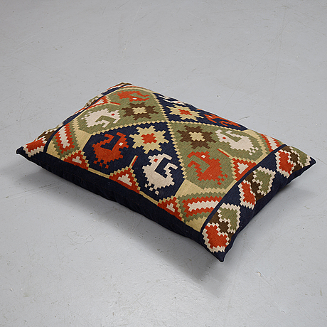 A cushion, flat weave, ca 54 x 76 cm, sweden first half of the 20th century.