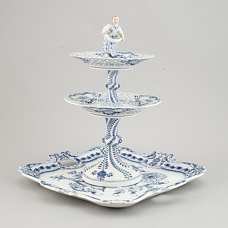 A porcelain tray and cake stand, meissen, 20th century.