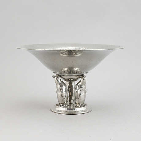 A danish pewter bowl, decorated with penguins, mark of einar dragsted, copenhagen. first part of the 20th century.
