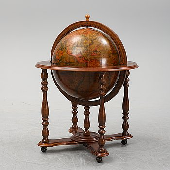 A end of the 20th Century drink globe cabinet.