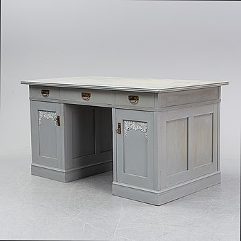 A painted oak desk, first half of the 20th Century.