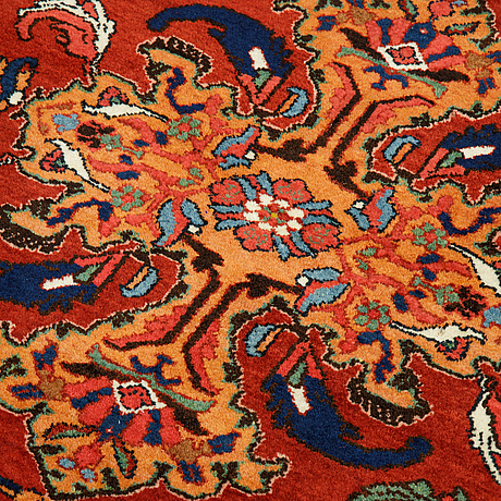 A rug, semi-antique hamadan, ca 140 x 110 cm.