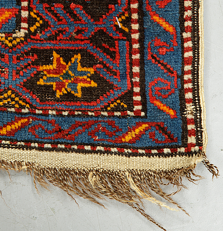 A rug, antique/semi-antique shirvan, ca 190-195 x  120 cm.