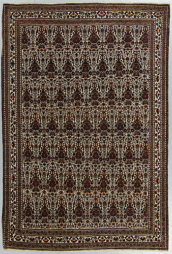A semi-antique abadeh rug, around  215 x 145 cm.