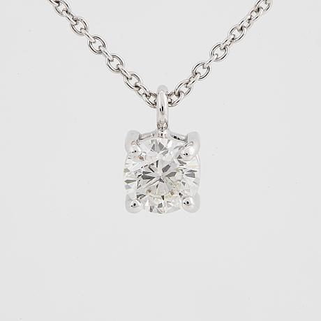 Brilliant-cut diamond necklace.