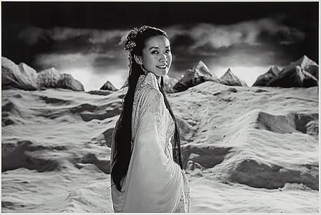 Yang fudong, giclée, 2011, signerad på medföljande intyg. ed 21/50.