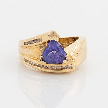 Brilliant-cut diamond and tanzanite ring.