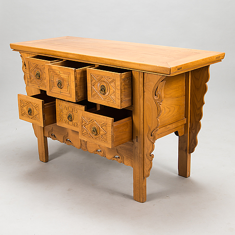 A corean chest of drawers, 20th century.