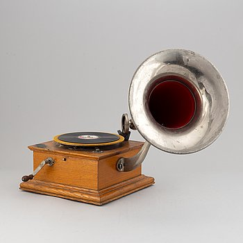 A Grammophone in oak and metal, Pheonix, early 20th century.