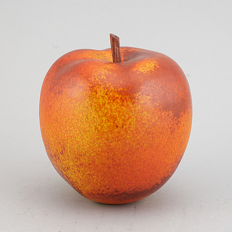 Per hammarström, apple, ceramic.