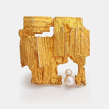 "Björn Weckström, A 14K gold brooch ""Etude"" with cultured pearls. Lapponia 1972."