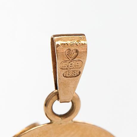 Hängen, 2 st, 14k guld och rökkvartser. helsingfors 1970 och 1979.