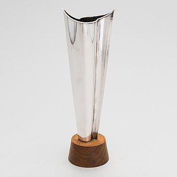 Tapio Wirkkala, 'Flame' silver vase on a teak base, Kultakeskus, Hämeenlinna 1962.
