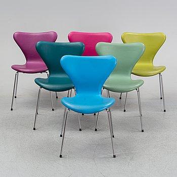 """Arne Jacobsen, stolar, 6 st, """"Sjuan"""", Fritz Hansen, Danmark."""