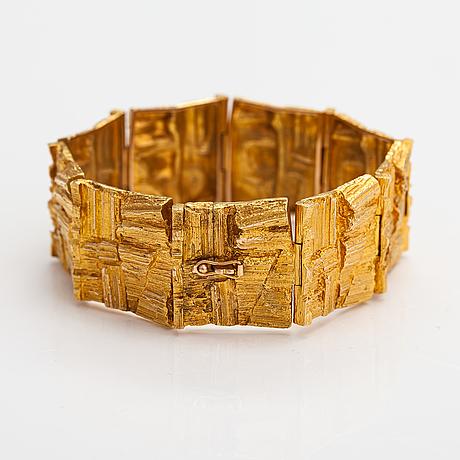 "Björn weckström, a 14k gold bracelet ""suma"". lapponia 1971."