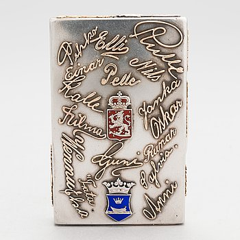 A silver cigarette case, maker's mark of Ferdinand Timper, Helsinki 1902.