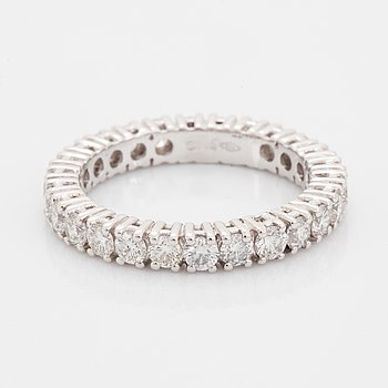 Brilliant-cut diamond eternity ring, with report HRD.