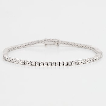 Tennisarmband med briljantslipade diamanter, med certifikat HRD.