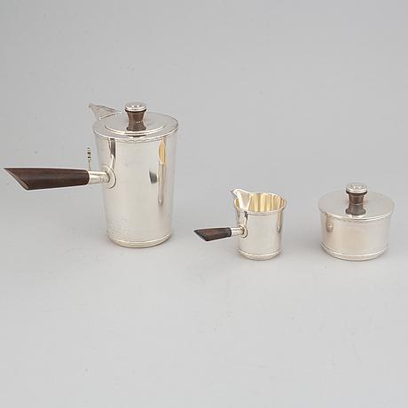 A swedish silver coffee service 3 pcs, maker's mark hugo grun & co, hgr, stockholm, 1949.