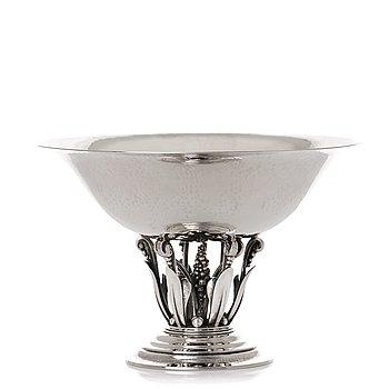 150. Georg Jensen, a sterling silver bowl, Copenhagen 1925-32, design nr 242.