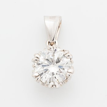 Brilliant-cut diamond pendant.