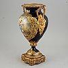 Urna, bär sèvresliknande märke, sent 1800-tal.