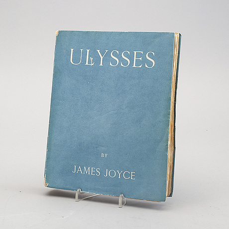 "James joyce, ""ulysses"" paperback book 1928."