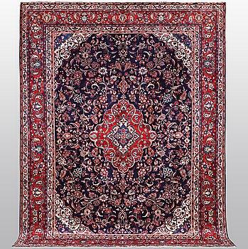 Matto, Persian, ca 352 x 265 cm.