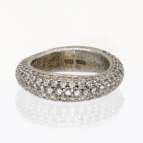 "Ole lynggaard ring 18k whitegold 159 brilliant-cut diamonds 1,75 ct in total tw vs, ""love collection"", original case."