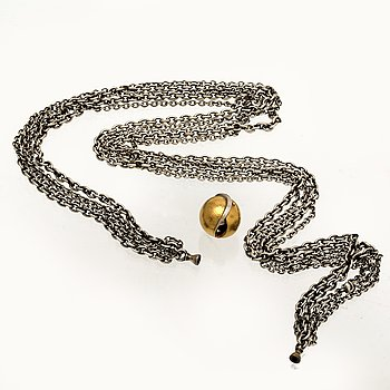 Ole Lynggaard necklace 5 rows of silver chains, clasp 18K gold, lenght approx 45 cm.