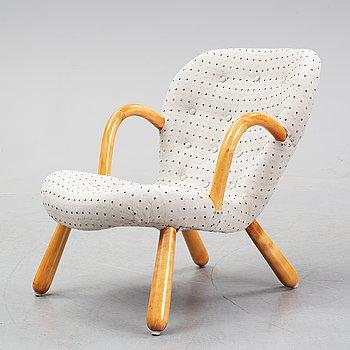"A Swedish Modern ""Clam Chair"" or ""Muslingestol"", 1940-50's."