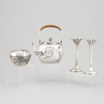 A group of four Japanese silver objects, mostly sterling, signed Yamakawa, Shokai Yokohama and Miyamoto, 20th century.