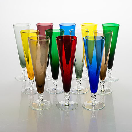 Samppanjalasit, 12 kpl, eri väriset.
