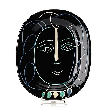 "139. Pablo Picasso, a ""Visage de femme"" faience dish, Vallauris, Madoura, France post 1953, A.R 220."