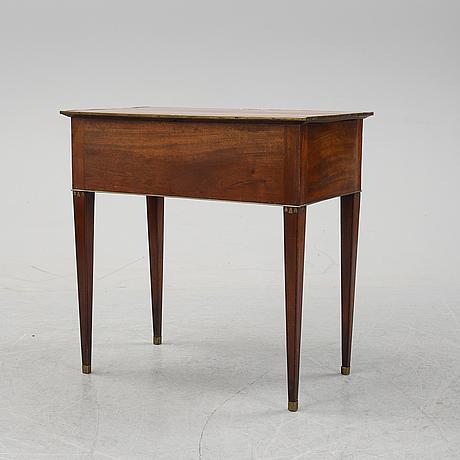 Bord, sengustavianskt stockholmsarbete, 1700-talets slut.
