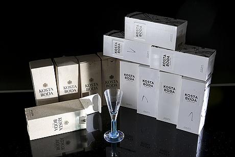 Kjell engman, a set 12 snaps glasses kosta boda later part of the 20th century.