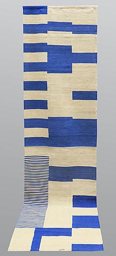 A runner, flat weave, ca 297 x 81 cm.