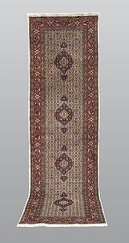 A runner, Moud, part silk, ca 290 x 82 cm.