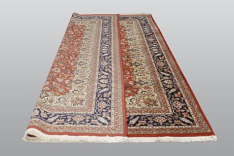 A carpet, oriental, ca 350 x 255 cm.