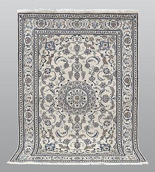 Matto, Nain part silk, ca 290 x 198 cm.