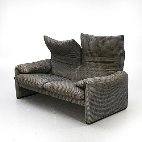 "Vico magistretti, sofa ""maralunga"" for cassina later part of the 20th century."