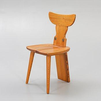 A 1960/70s pine chair.