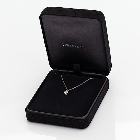 Tiffany & co, a platinum and ca. 0.75 ct pear-cut diamond necklace. marked tiffany & co, 28171072.