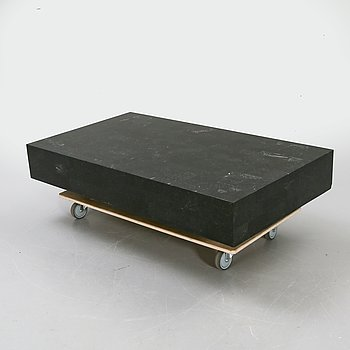 A later 20th century coffee table.