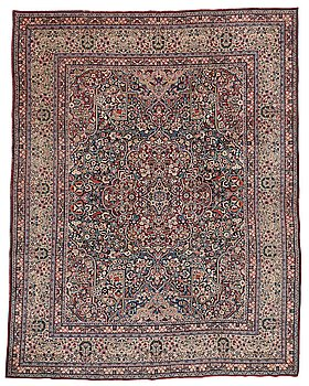 314. Matto, an antique/semi-antique Persian, probably Moud/Kerman, ca 388-390,5 x 301-315,5 cm.
