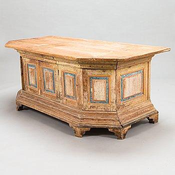 A 19th century cabinet table, marked Abiel Mäkitalo Ylitornio, Finland.