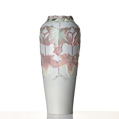 Harald almström, an art nouveau porcelain vase, rörstrand 1900.